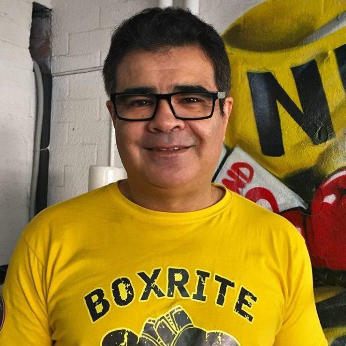 Bobby Mayne teaches Boxing art