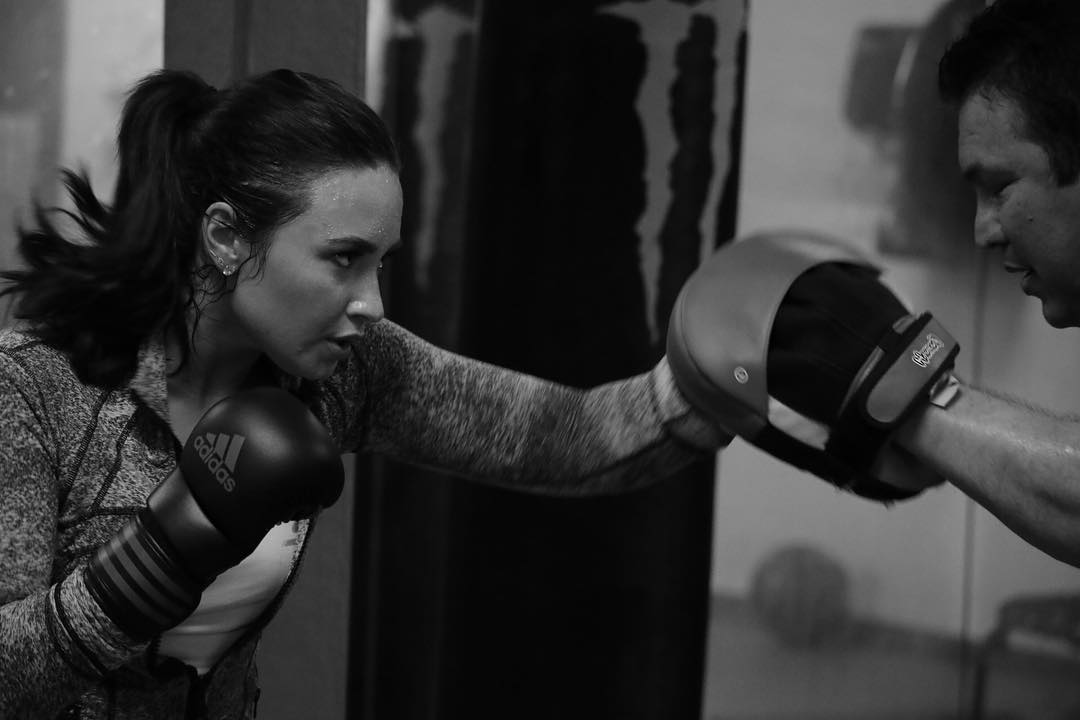 demi lovato gorgeously executes mma technique   fightmag