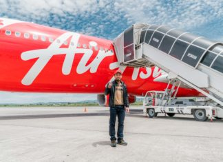 AirAsia in the ring with boxing champ Manny Pacquiao