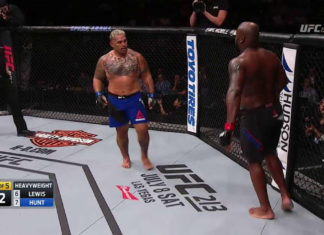 UFC Fight Night Auckland: Mark Hunt defeats Derrick Lewis