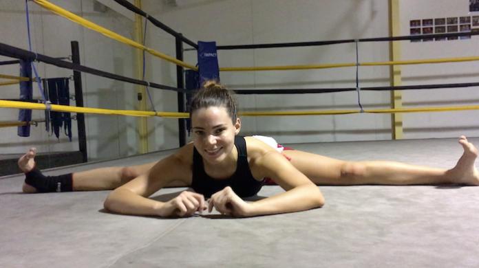 Lilian Dikmans flexibility