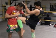 Muay Thai knee techniques with Dechsak Sangmorakot