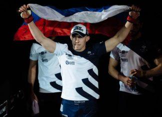 Roman Bogatov submits Michel Silva at M-1 Challenge China