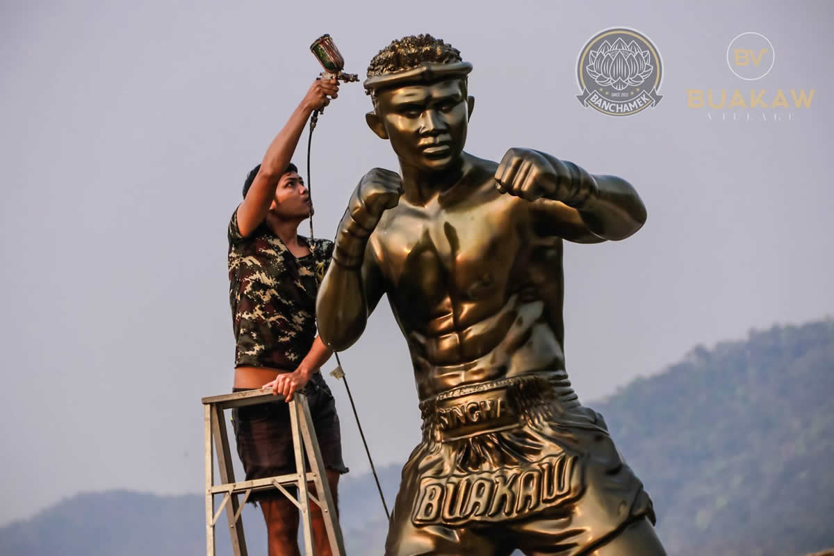 Statue of Muay Thai star Buakaw Banchamek placed in Chiang Mai