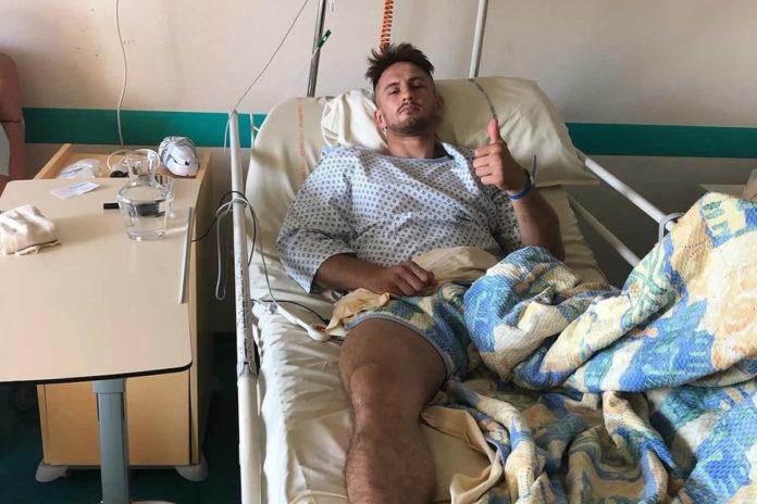 Kickboxer suffers broken fibula