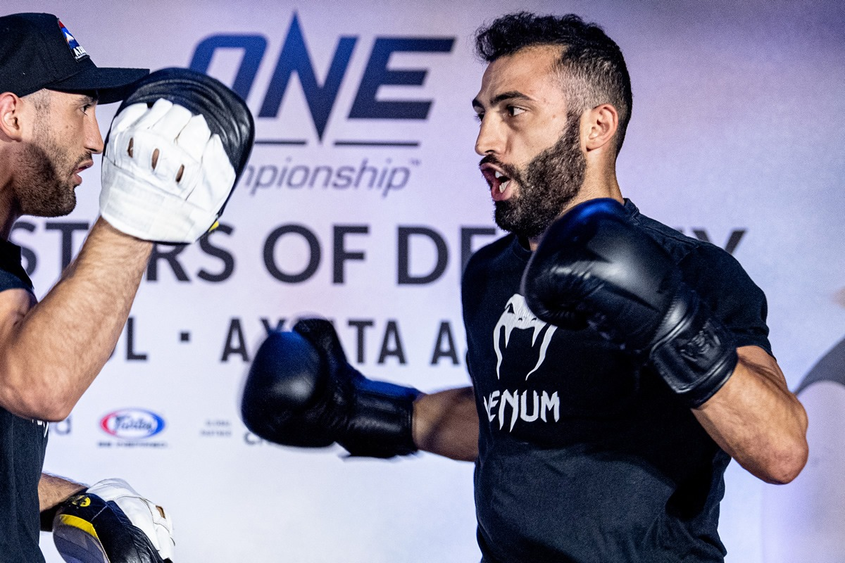 Giorgio Petrosyan at the open workout ahead of rematch against Petchmorrakot Petchyindeeacademy
