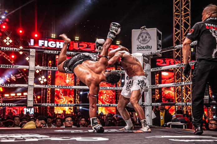 Thai Fight: Saenchai executes cartwheel kick