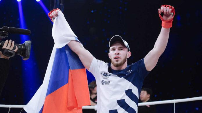 Roman Bogatov bat Mickael Lebout