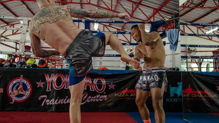 Saenchai personal Muay Thai training at Yokkao Training Centre Bangkok