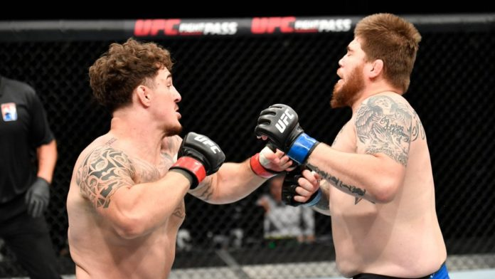 Tom Aspinall defeats Jake Collier at UFC Fight Island 3