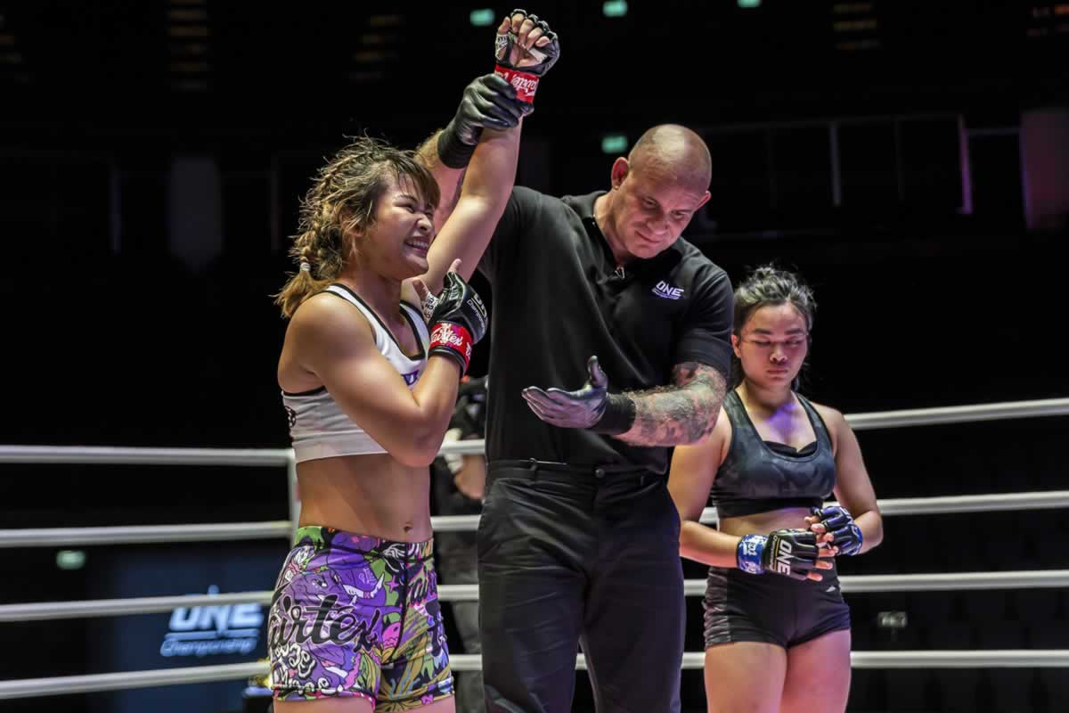 Stamp Fairtex vs Sunisa Srisen