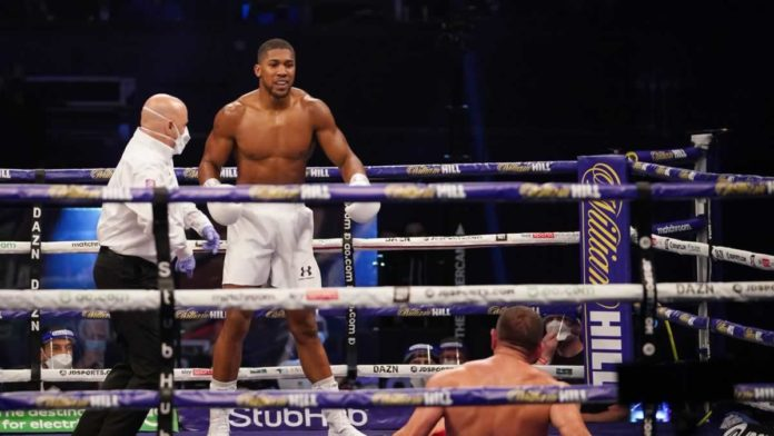 Anthony Joshua knocks out Kubrat Pulev