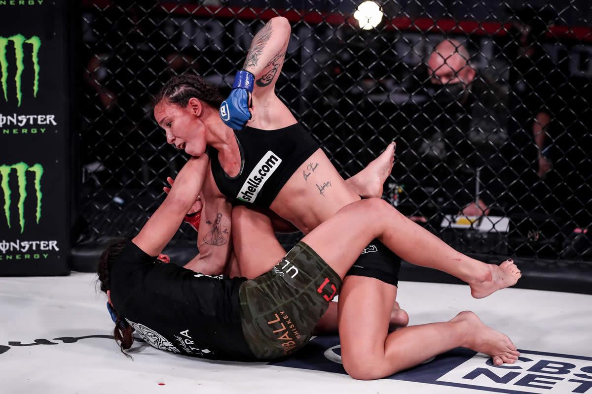 Juliana Velasquez vs Ilima-Lei Macfarlane