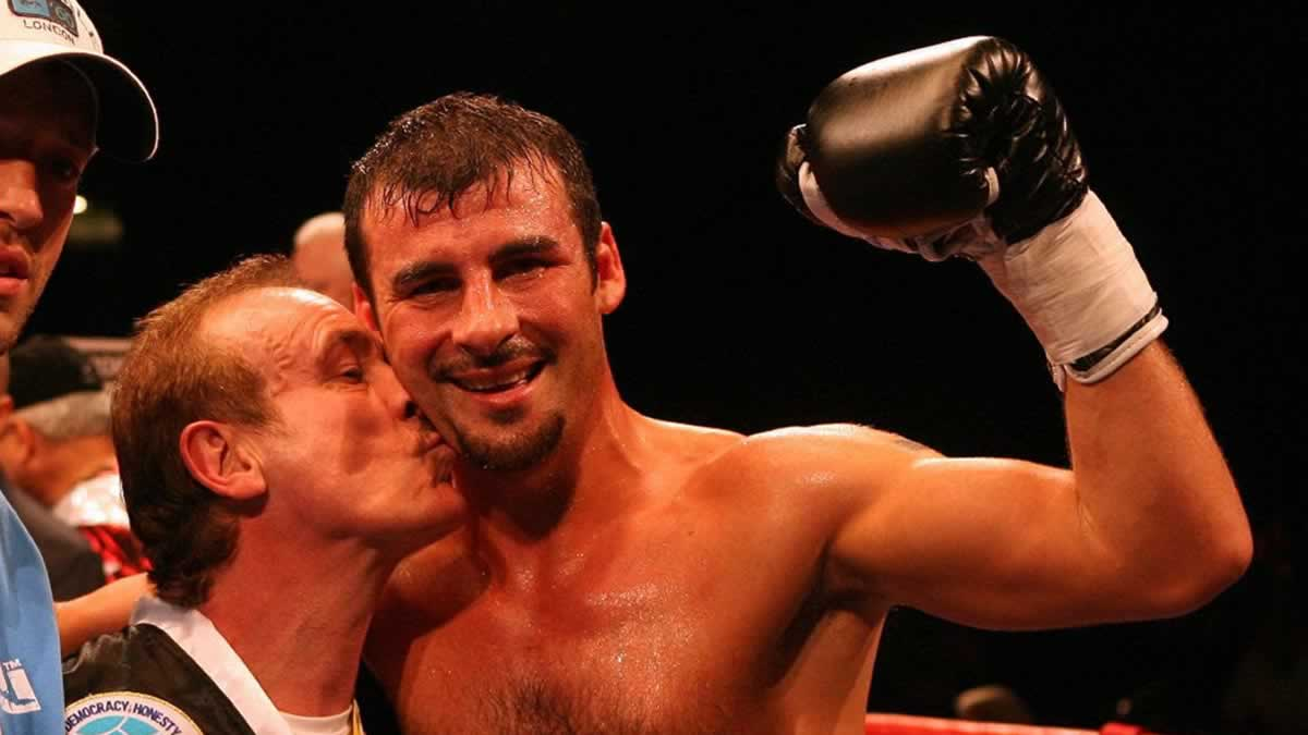 Hall of Famer Joe Calzaghe says Liam Williams can beat Demetrius Andrade by points or late stoppage
