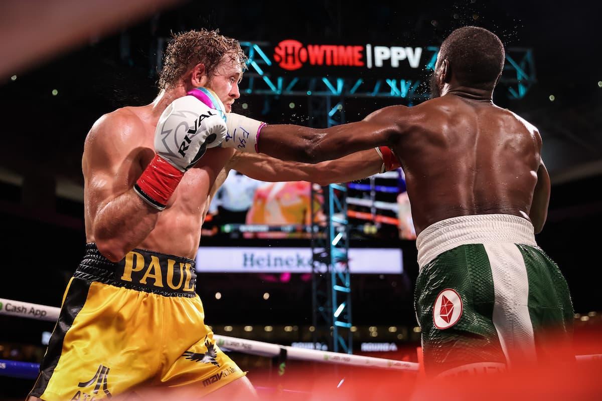 Floyd Mayweather vs Logan Paul