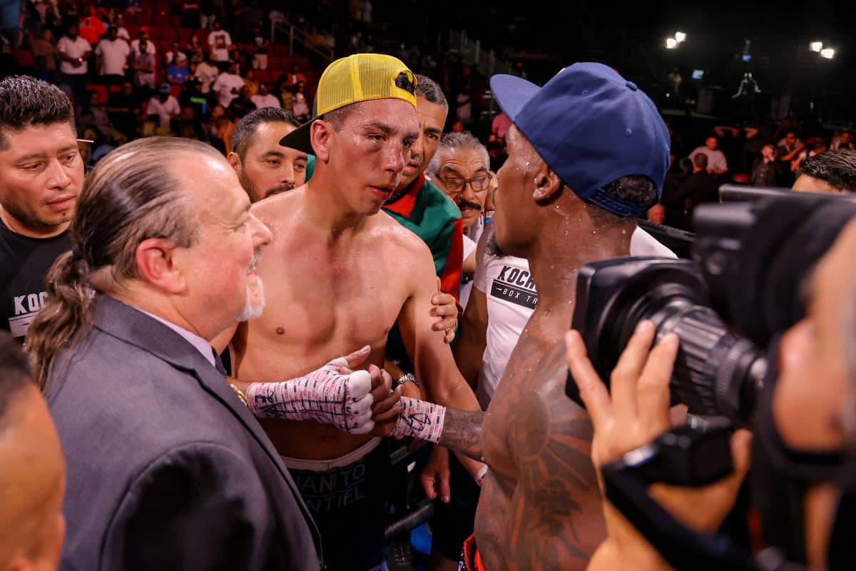 Jermall Charlo vs Juan Macias Montiel