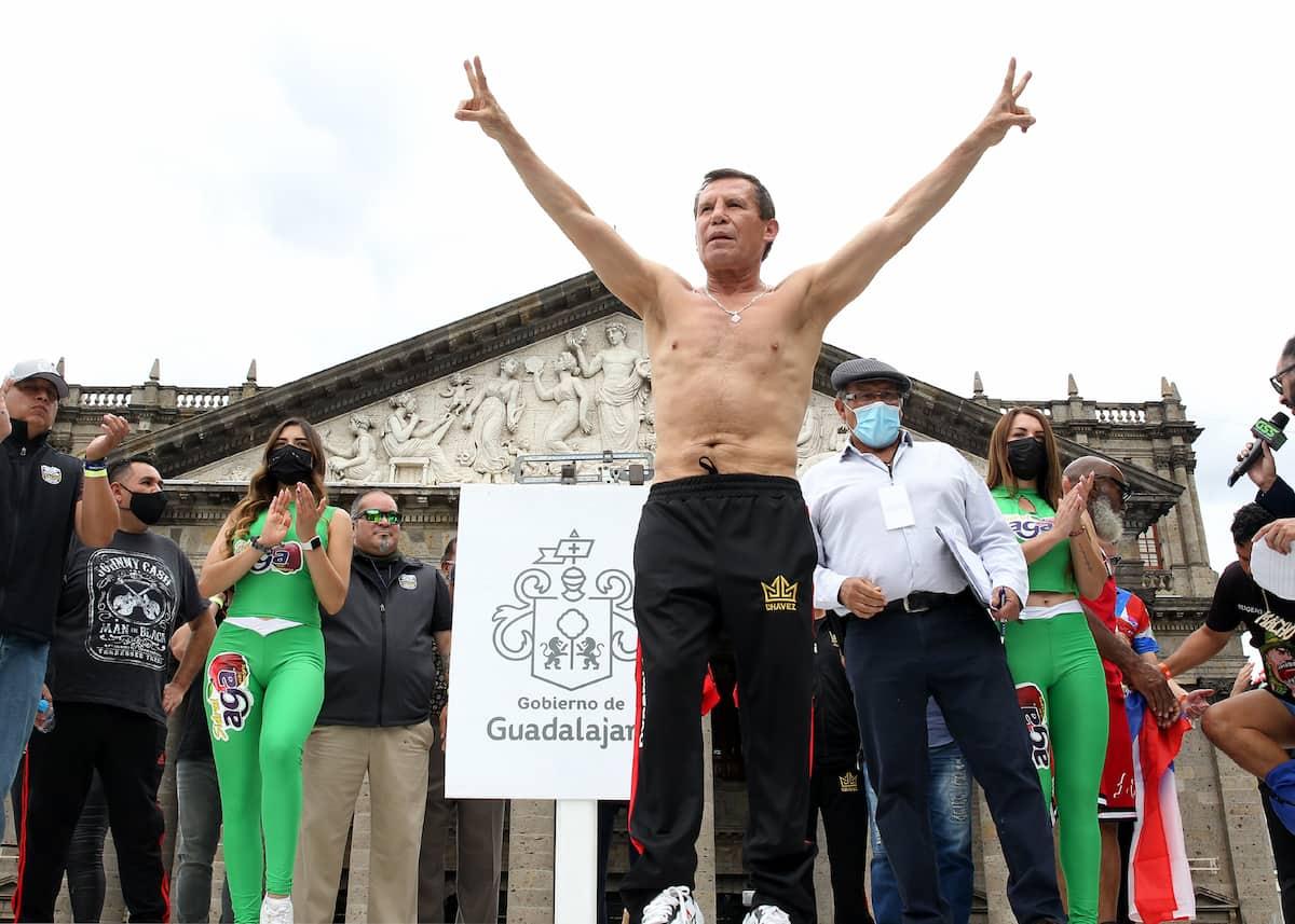 Julio Cesar Chavez weigh-in