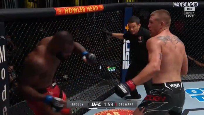 Dustin Jacoby dominates Darren Stewart at UFC Vegas 35