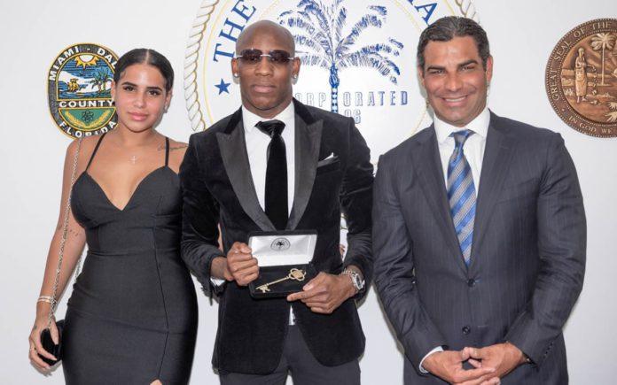 Yordenis Ugas honored by Mayor Francis Suarez
